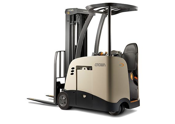 Crown S Rc 5500 Series Stand Up Forklift Lifted Trucks Forklift Trucks