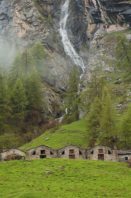 Maisons Vieilles - 1805mt, Valsavarenche, Parco Nazionale del Gran Paradiso, Valle D'Aosta. Italy