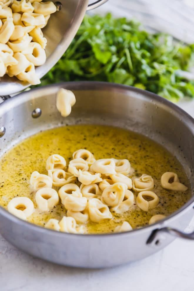 Photo of A simple, delicious recipe for cheese tortellini in garlic butter sauce – #a #simple …
