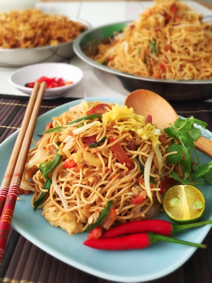 Singapore Home Cooks: Hong Kong Mee by Rontree Chan
