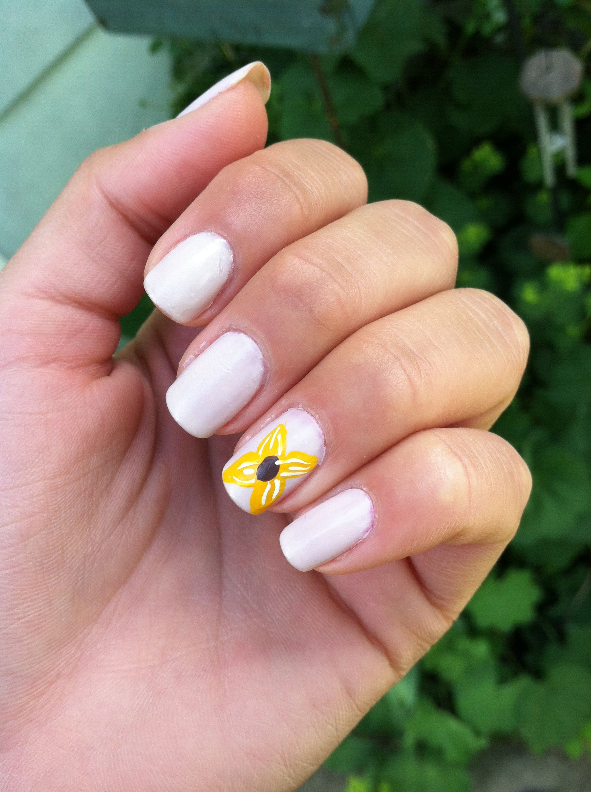 sunflower nails🌻 (With images)   Sunflower nails, Creative ...