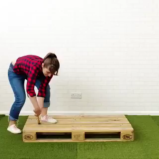 Easy pallet ideas you wood like to try. Hugging face #diy #crafts #pallet