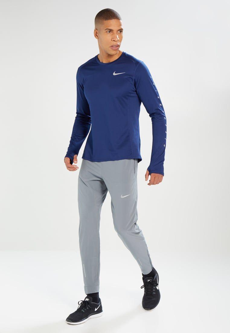 Vicio reserva interfaz  Consigue este tipo de chándal de Nike Performance ahora! Haz clic para ver  los detalles. Envíos gr…   Camisetas deportivas, Pantalones para hombre,  Camiseta hombre