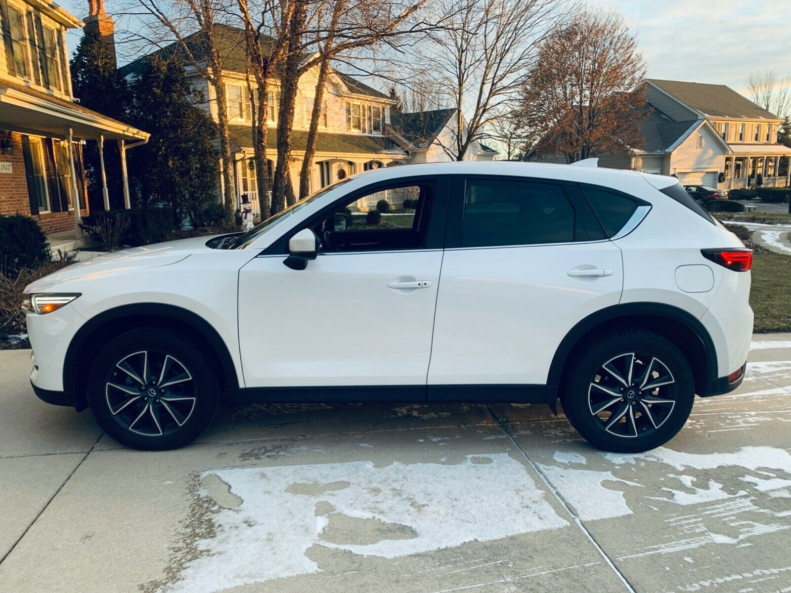 Used 2017 Mazda Cx 5 Grand Touring Awd Mazda Cx 5 Grand Touring Awd 1gt Premium Package Chrystal White Pearl Metallic 2020 Is In Stock And For Sale Mycarboar Mazda Suv Mazda Mazda Cx5