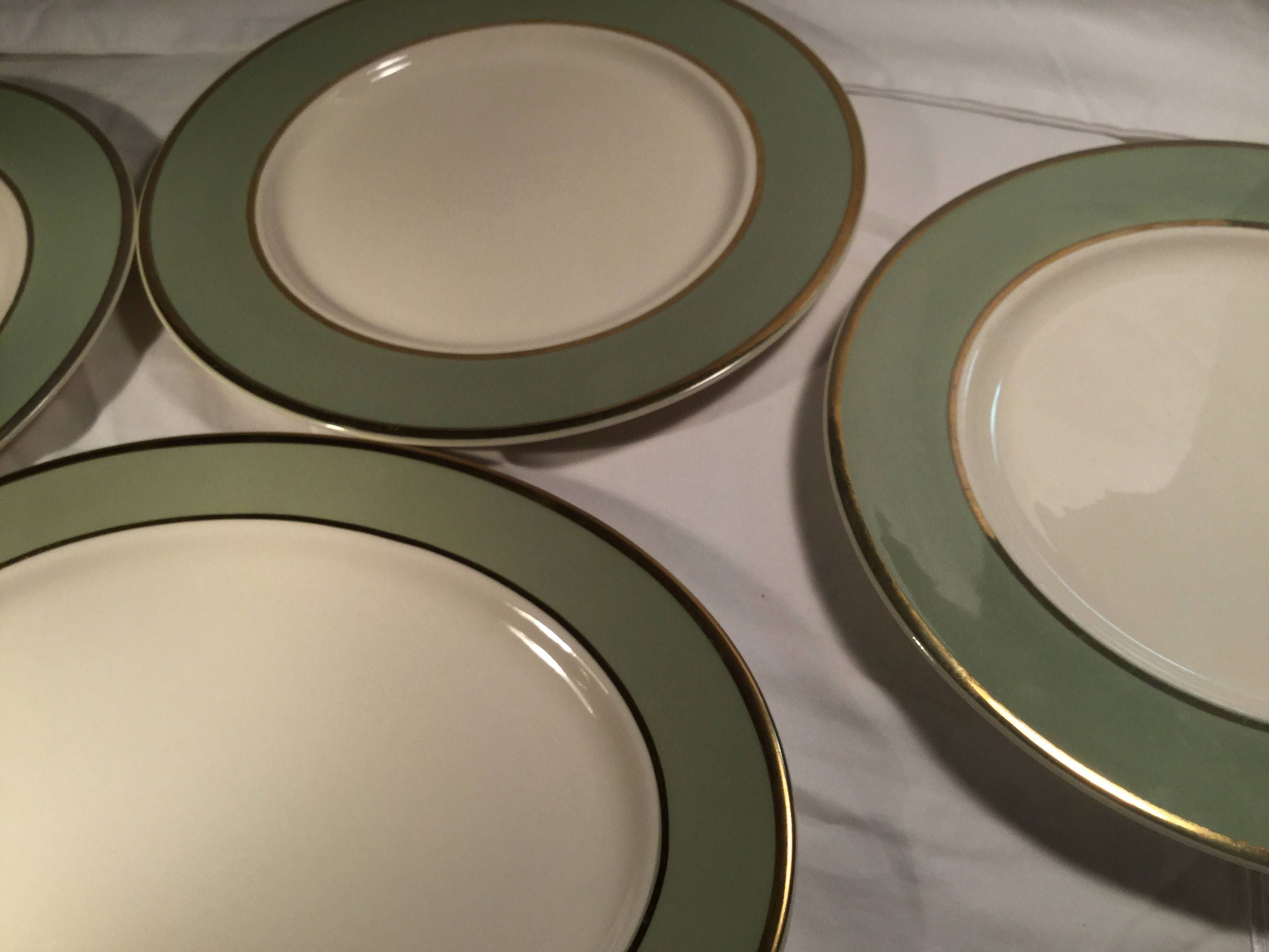 Taylor Smith Taylor Classic Heritage Celadon Green 10 1 2 Dinner Plates Set Of 4 Four By Thistakesmeback On Etsy Taylor Smith Celadon Celadon Green