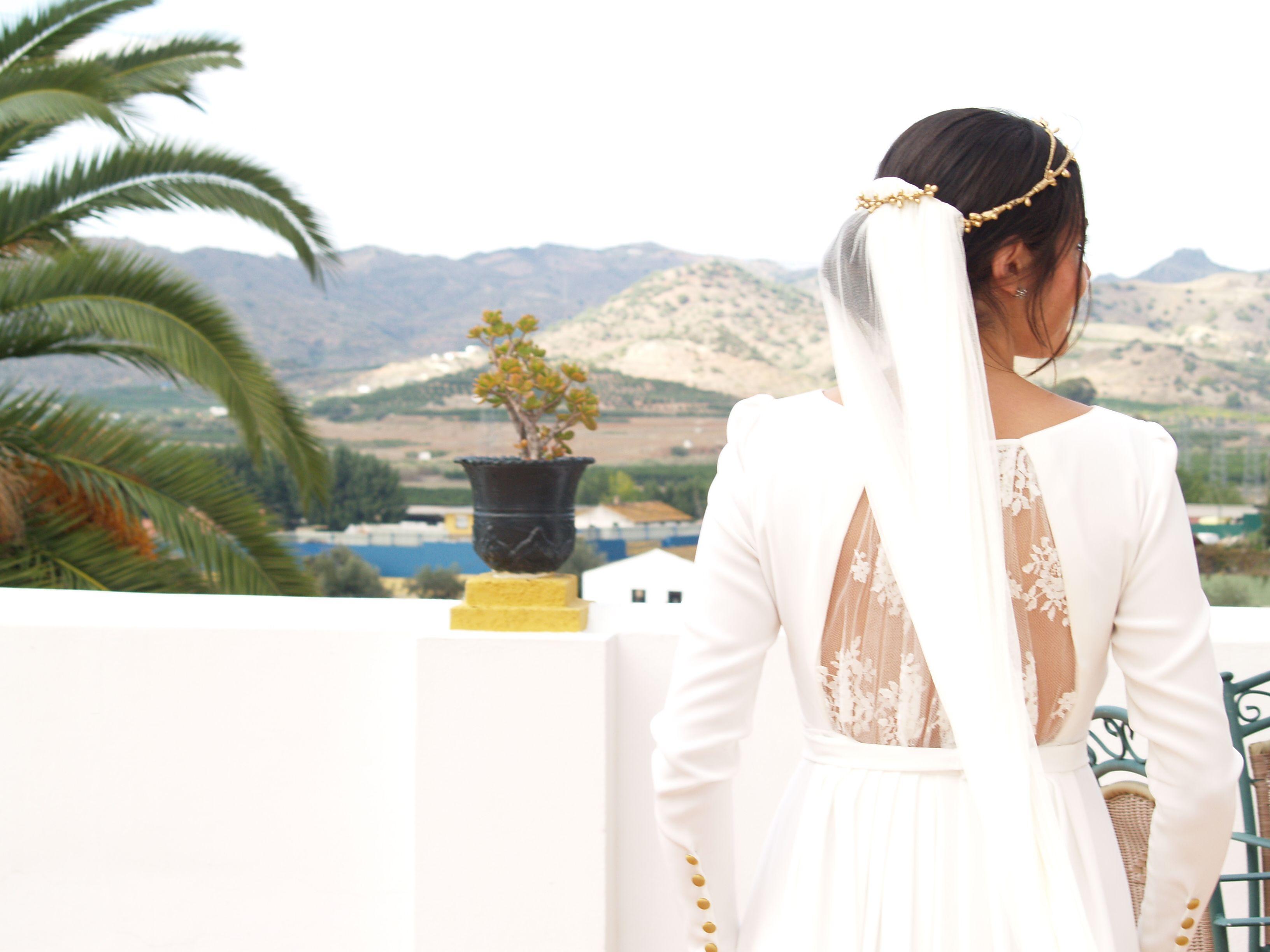 Ridiculous wedding dresses  Mónica u Jerónimo una divertida boda en Málaga  Petite Mafalda