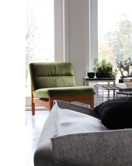 Lounge Room Of Stylist / Visual Merchandiser Luke Mortimer Photographed By  Lucy Feagins Via The Design