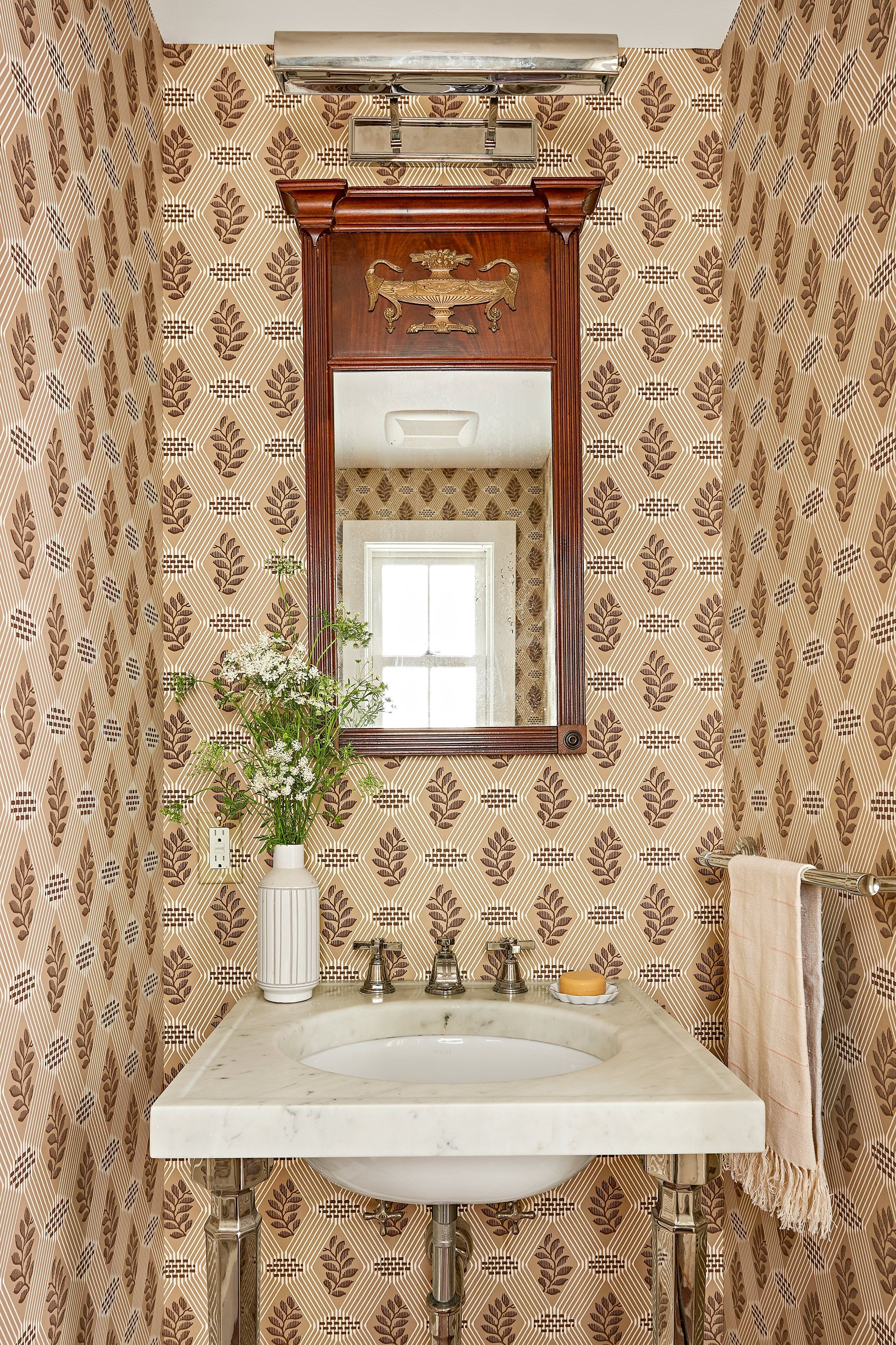 40 What Absolutely Everyone Is Saying About Bathroom Wallpaper Ideas And What You Should Be Doing Pecansthomedecor Modern Powder Rooms Powder Room Design Rustic Powder Room