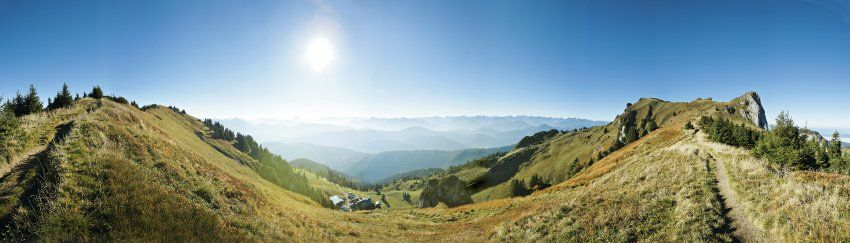 Sometimes I can't believe I grew up a few miles from here.     Die Gipfel der Benediktenwand auf 1800 Meter Höhe (hier im 180-Grad-Panorama) zwischen Lenggries und Kochel.