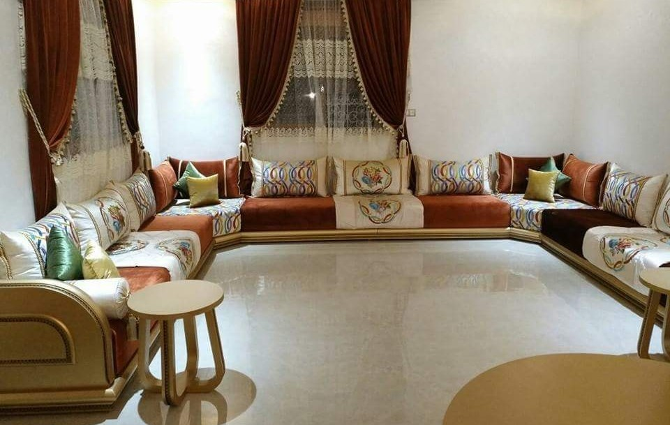 Top 5 Modeles Du Salon Marocain Moderne Annee 2020 Moroccan Living Room Bed Sheet Painting Design Home Decor