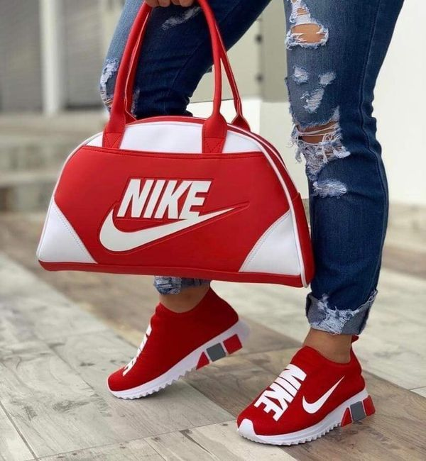 Nike shoe and Bag – ValeryDenese