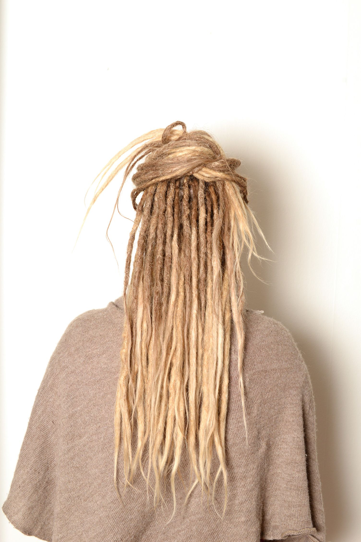 This is what i want skinny dreads with loose ends and i will this is what i want skinny dreads with loose ends and i will likely leave bangs undreaded too these are beautiful dreads pinterest dreads bangs biocorpaavc Image collections