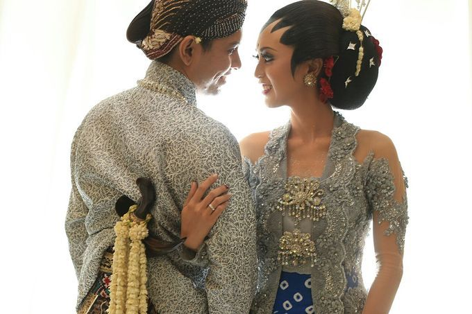 Ajeng & Arya - Royal Javanese Wedding by Canthing Wedding Organizer - 007