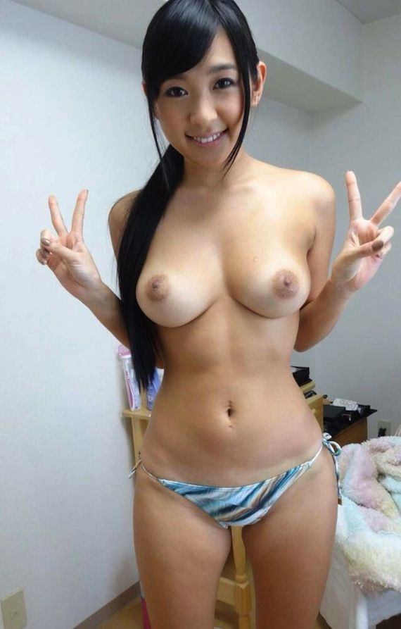 nude Japanese door girl next