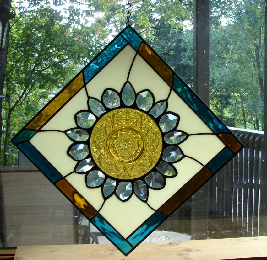 Daisy Flower stained glass plate panel
