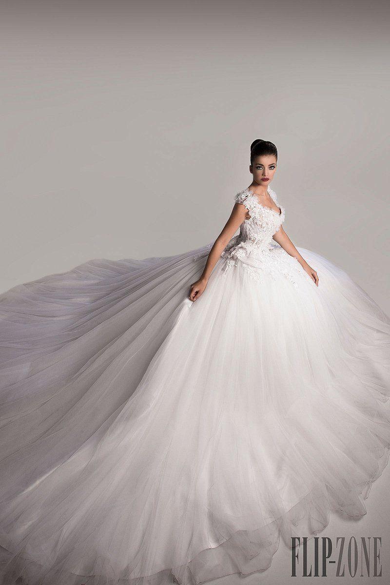 Dress for wedding party in winter  Hanna Toumajean Fallwinter   Couture  LANGE BRUDEKJOLER