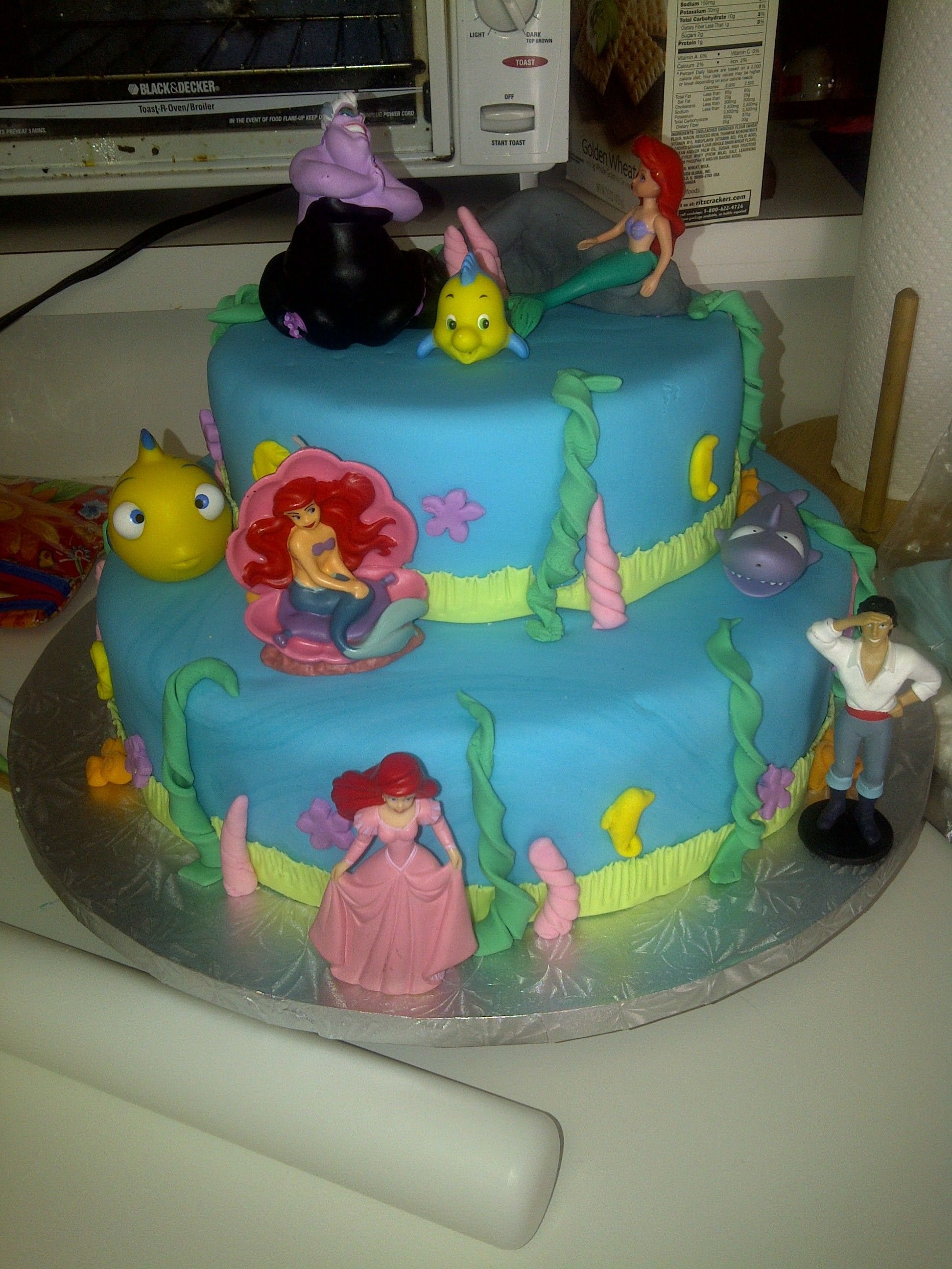This was another fun cake to re-create if you have the toy figurines...