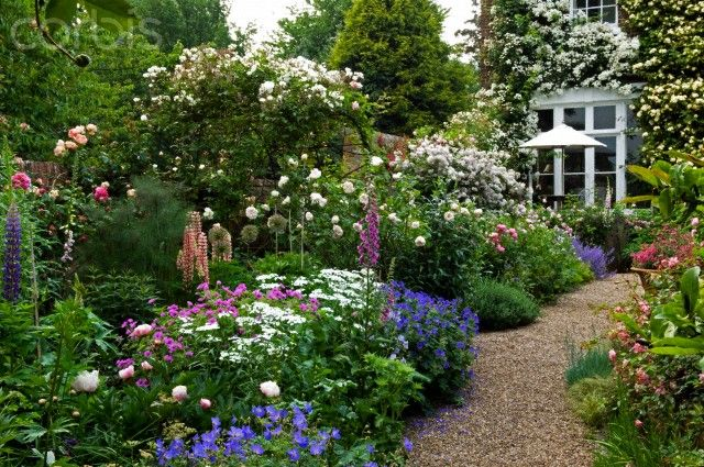 Traditional English border gravel garden path