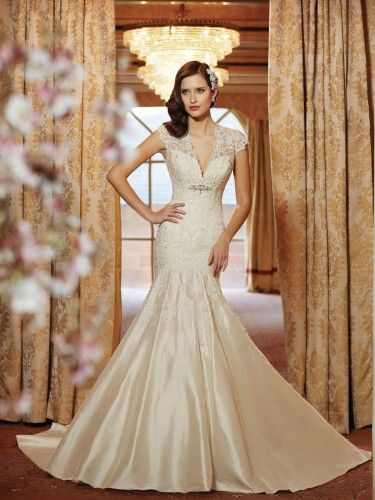 Old Hollywood wedding dress | Wedding Dress Shopping Tips | Pinterest