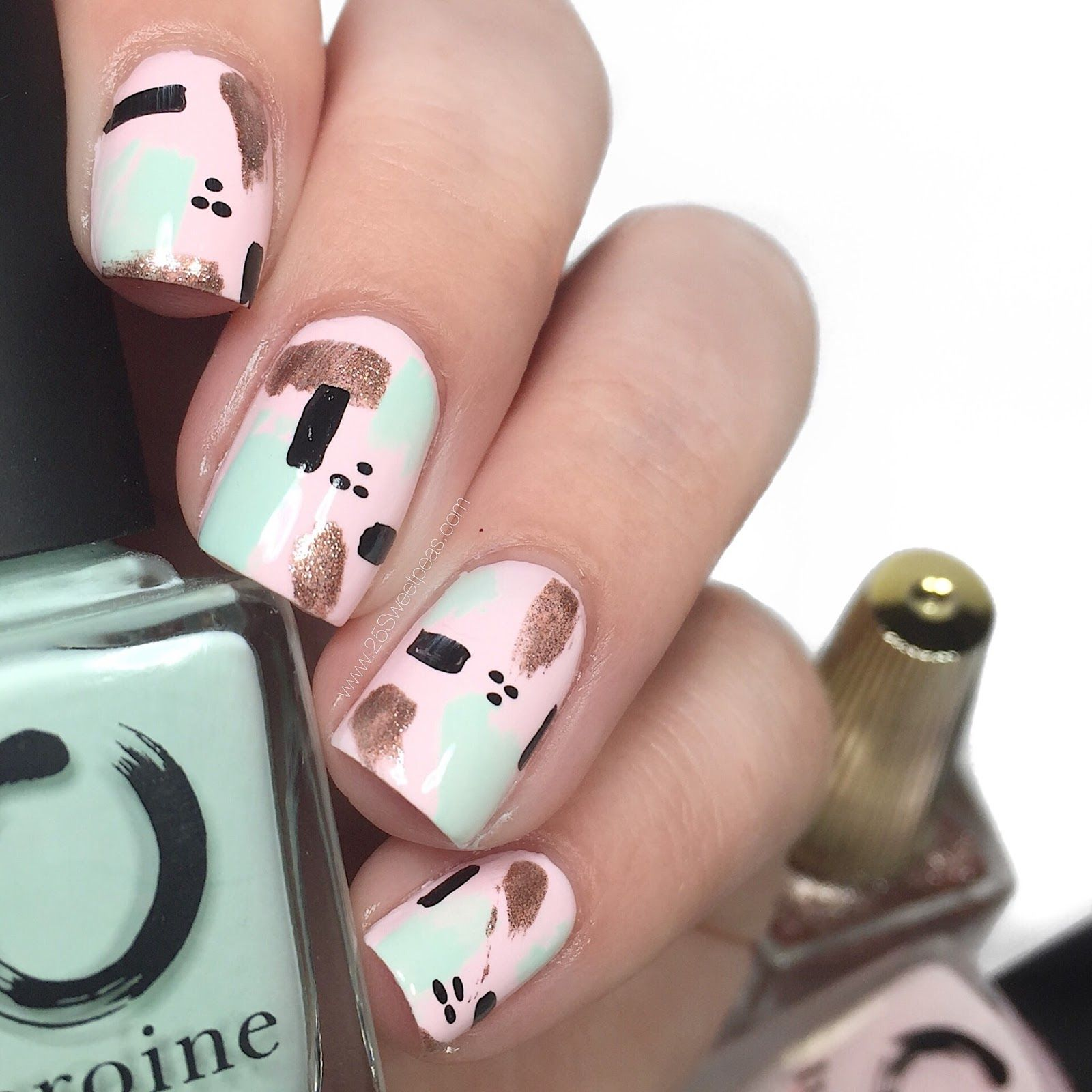 Quick and Easy Abstract Nail Art | Abstract nail art, Easy and Short ...