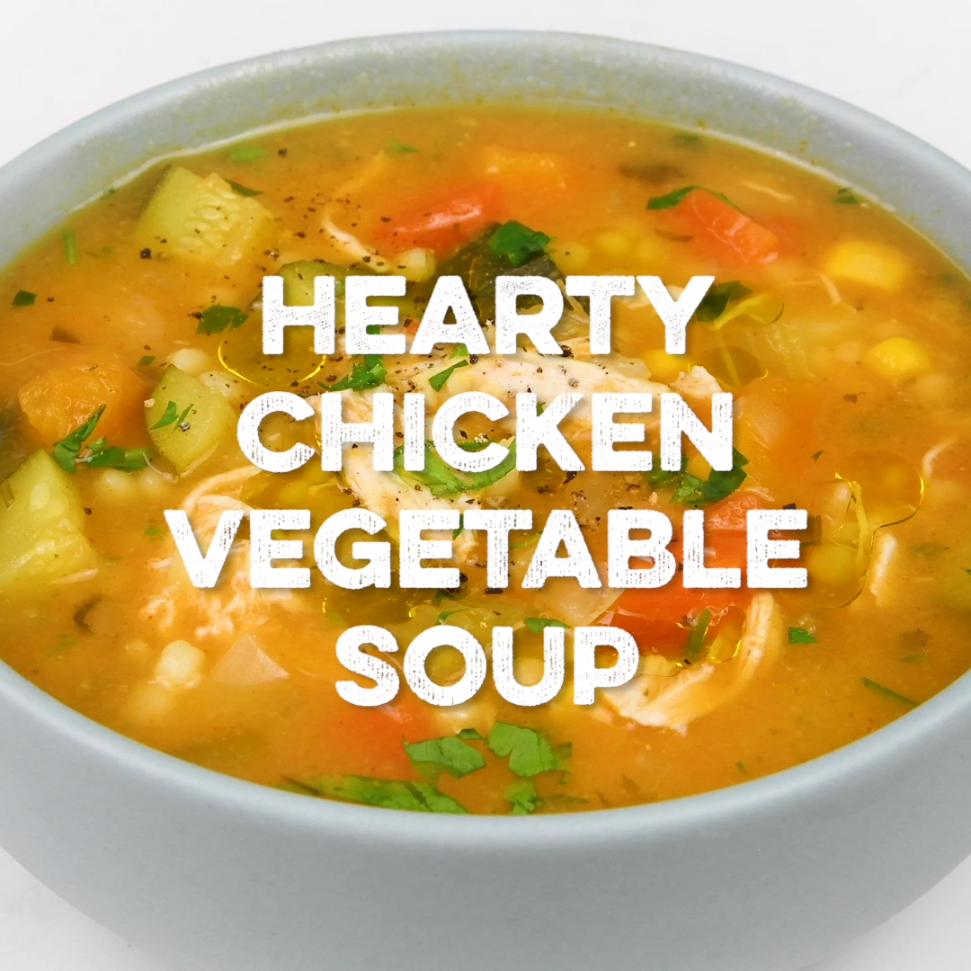 This hearty chicken vegetable soup is perfect for chilly days! Packed with vegetables and easy to make on the stove or your Instant Pot + SlimmingWorld syn-free #chickensoup #soup #supergoldenbakes #slimmingworldrecipes #soupandsalad