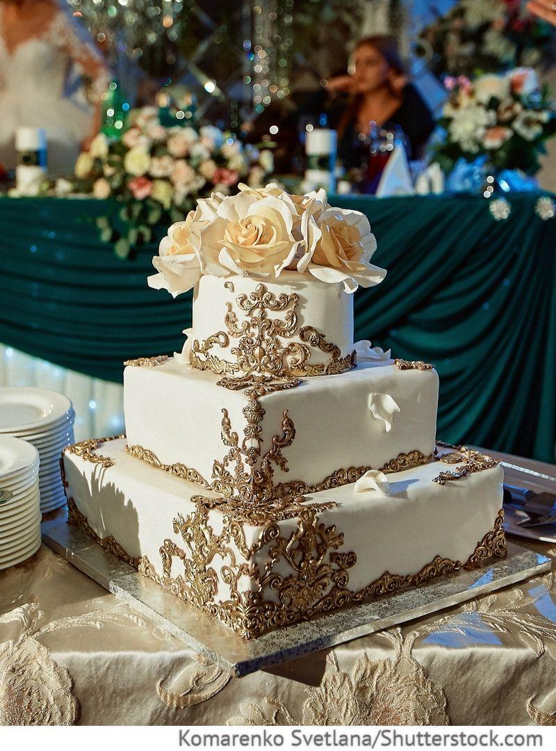 Hochzeitstorte 3 Etagen In Eckiger Form Fur Russische Hochzeiten