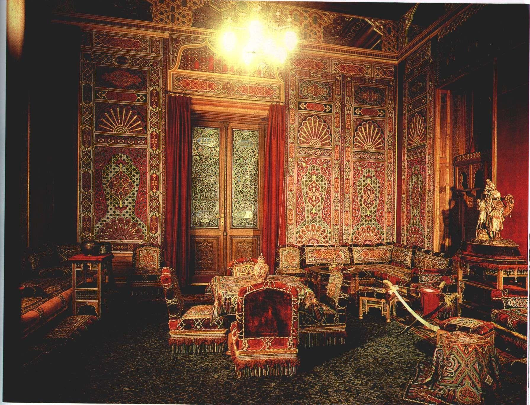 interior bran castle romania   si o privire de ansamblu / and a