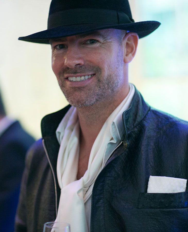 Mark humphrey is an international awardwinning artist