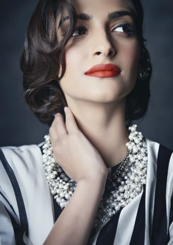 Sonam Kapoor | Hey Tribe!!    Here are the pictures from ...