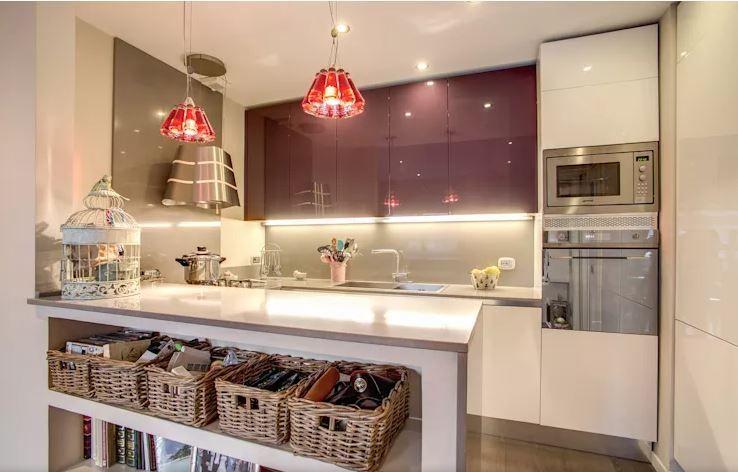 مطابخ اكريليك 2021 المميزات والعيوب مطابخ بن صبري Kitchen Furniture Design Modern Kitchen Photos Modern Kitchen