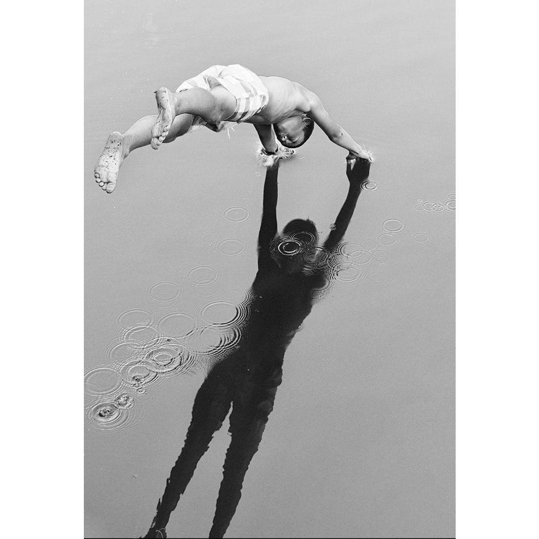 Dive, Andre Kertesz via @analogueportraits | White photography, Black and  white photography, Photography inspiration