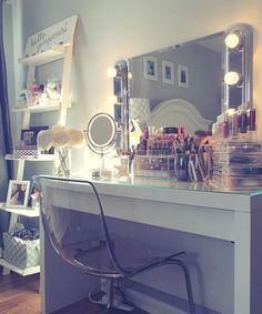 Vanity and makeup storage