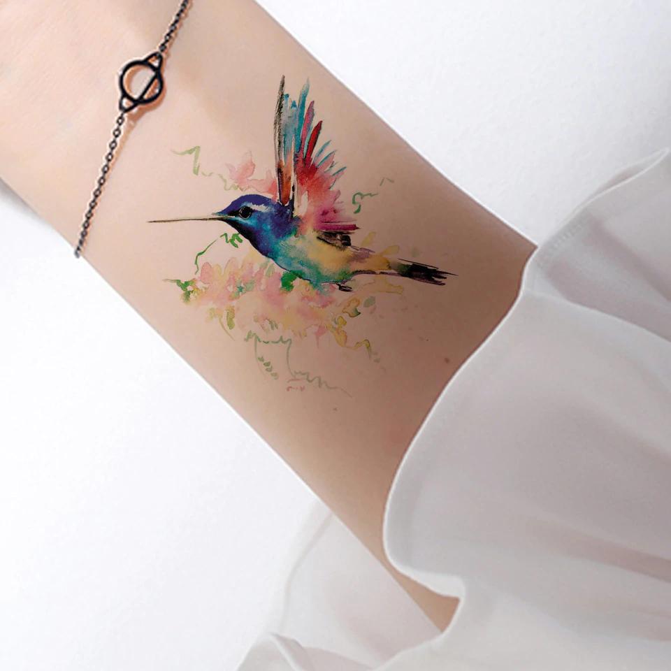 Pequeno Tatuajes De Colibri Busqueda De Google Hummingbird Tattoo Tattoos Arm Tattoo