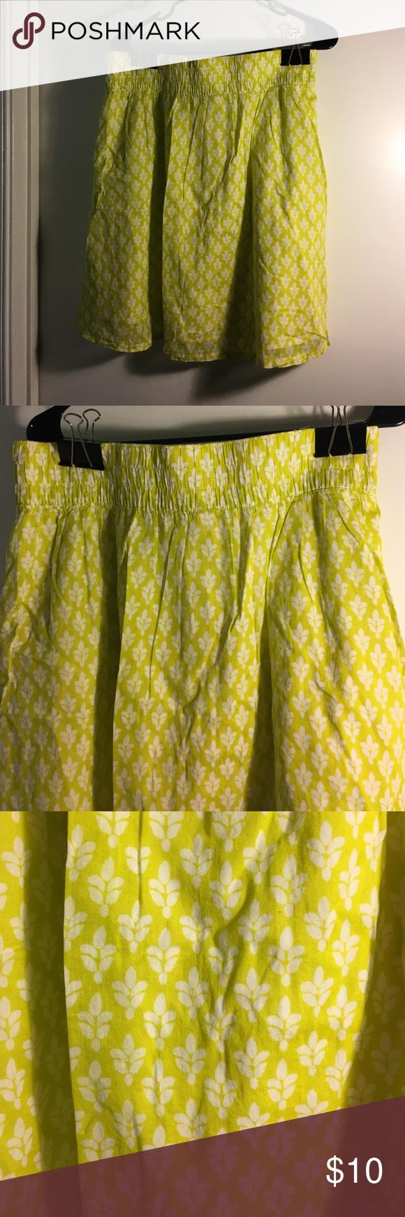 Elastic waist skirt lime green and white Elastic waist skirt Old Navy Skirts Midi