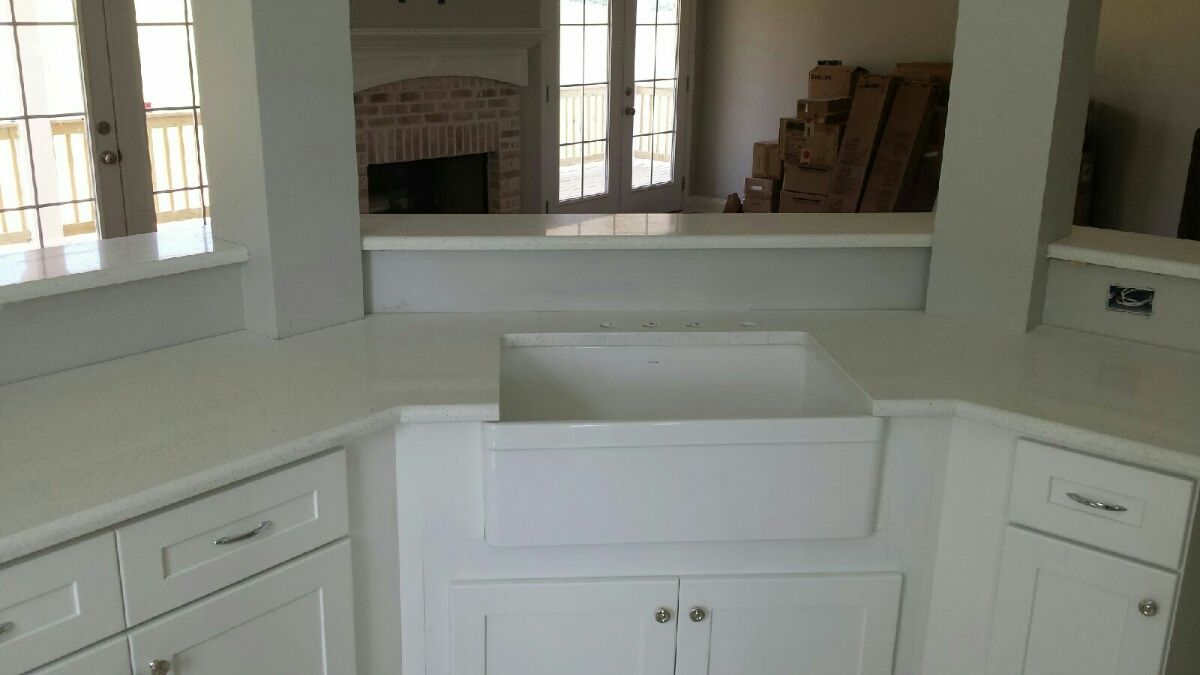 Celeste LG Viatera Quartz Kitchen Countertop And Bathroom Vanity Install  For The Roman Family. Knoxvilleu0027s
