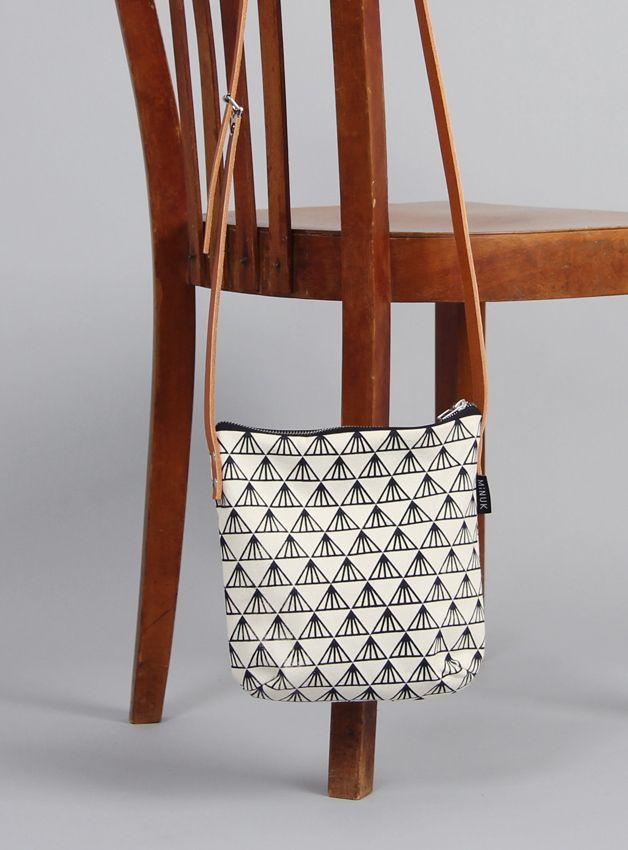 schultertaschen tasche greta 3 siebdruck ein designerst ck von minuk bei dawanda. Black Bedroom Furniture Sets. Home Design Ideas