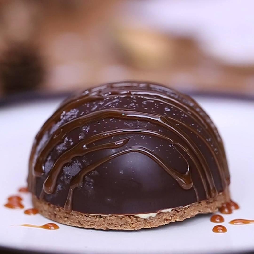 Fondez de bonheur pour la coque chocolat glacé fourrée à la vanille