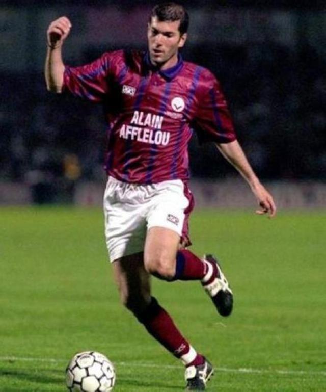 9d5a5863 Zinedine Zidane, Girondins Bordeaux | Soccer Fever | Zinedine zidane ...