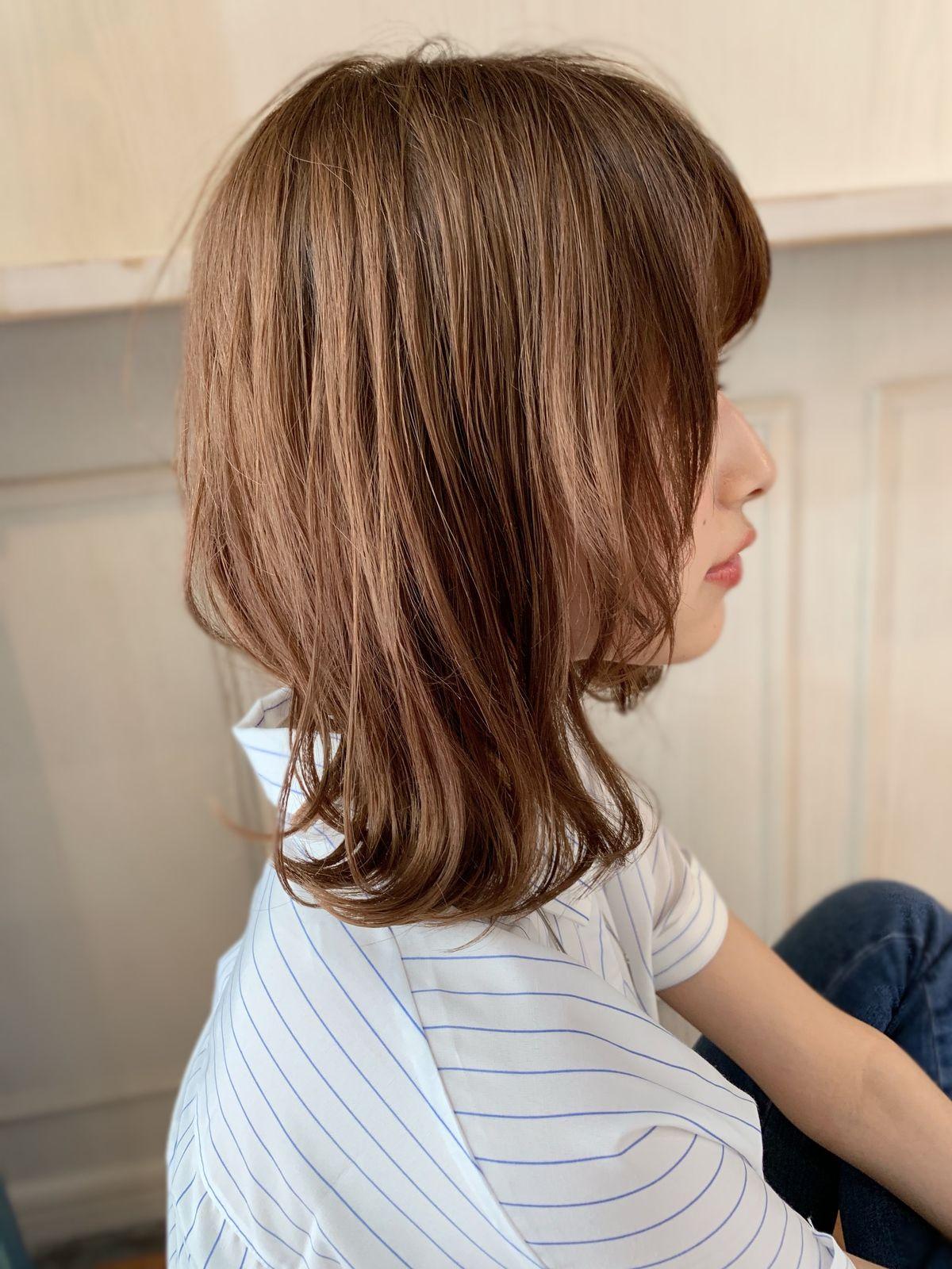 大人かわいいボブディ 束感無造作カールセミディ Maria By Afloatのヘアスタイル ヘアスタイル 40代 ヘアスタイル カラフルヘア