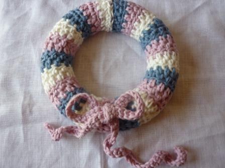 Make a crochet wreath