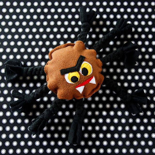 Diy Combination Tug And Squeaky Halloween Spider Toy Tough Dog