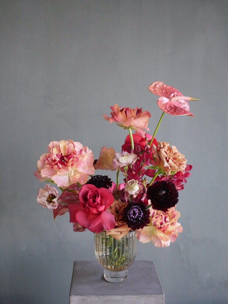 design by color theory design co floral arrangement in modern vase contem in 2020 colorful flowers arrangements modern floral arrangements flower vase arrangements floral arrangement in modern vase