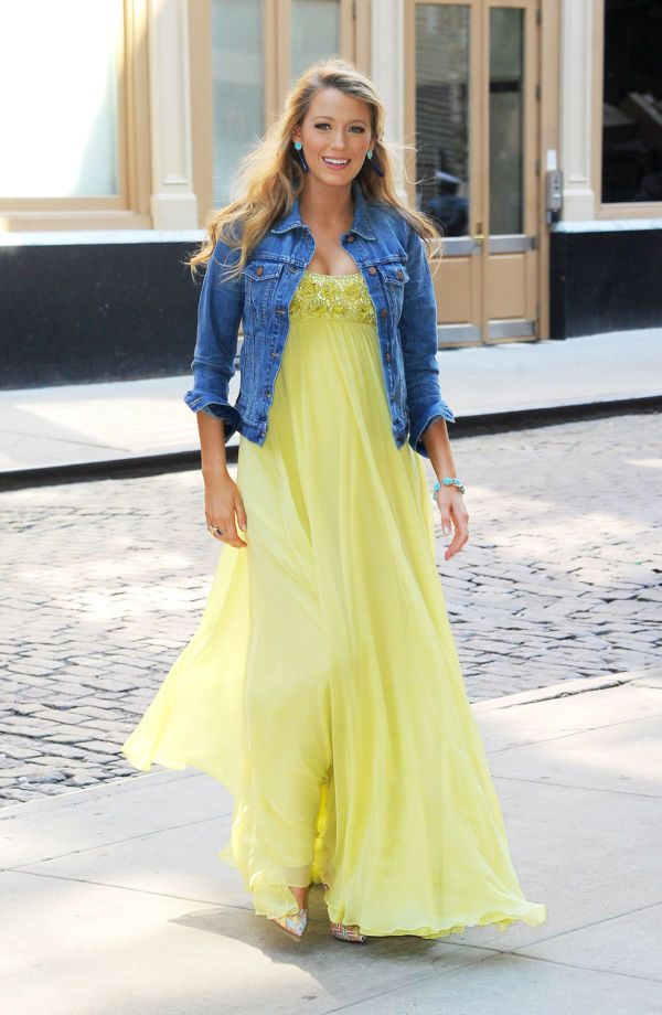 beccb8feff ... mean stretchy pants and boring tunics is chic mom-to-be Blake Lively