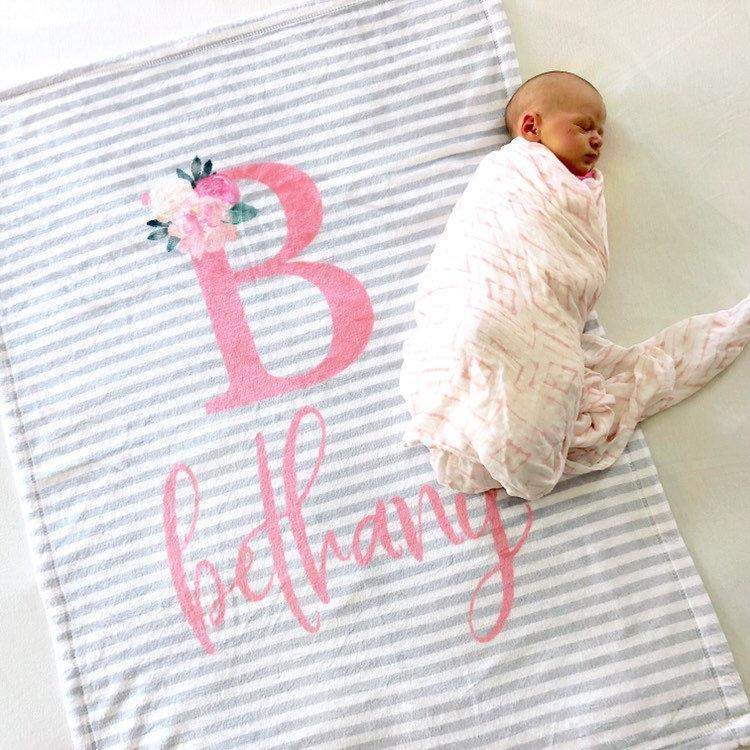 Personalised Embroidered Baby Fleece Blanket Girls Boys NewBorn Gift Giraffe