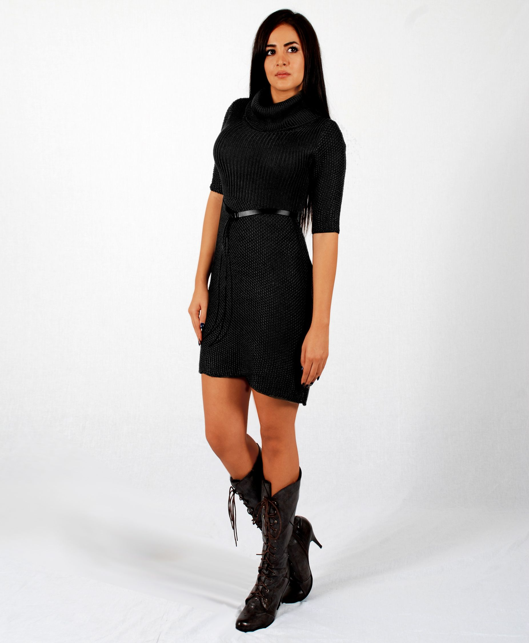 Distinguish yourself from the crowd with this trendy black