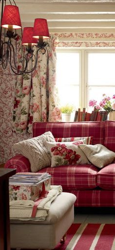 floral shabby chic living room   red gingham floral living room - Google Search   Shabby ...