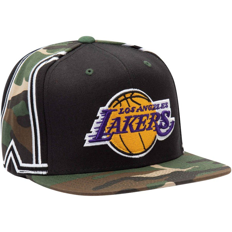 eed764d9133 Mitchell   Ness Los Angeles Lakers Black Straight Camo Snapback Hat ...
