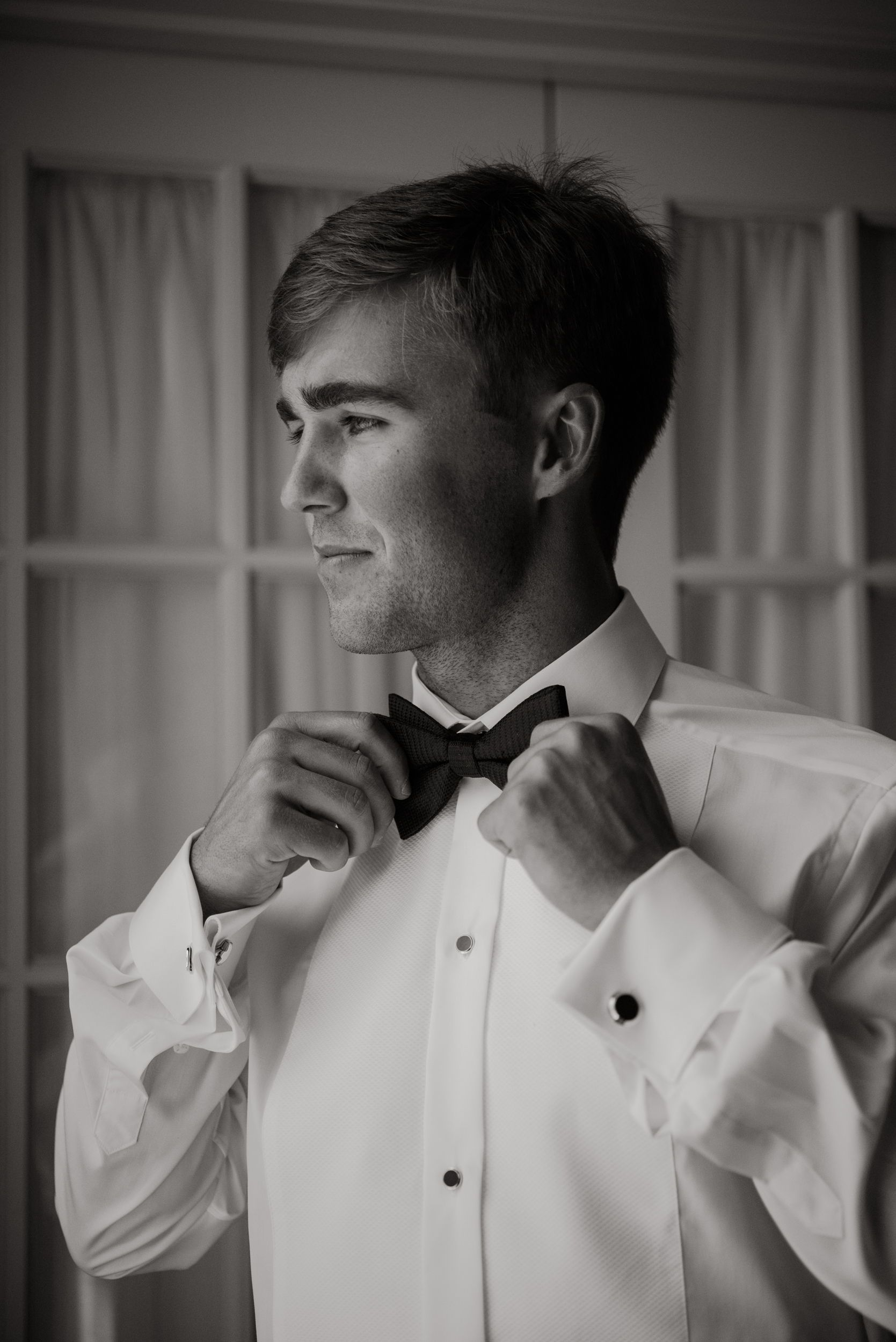 Groom outfit ideas for a black tie southern wedding getting ready