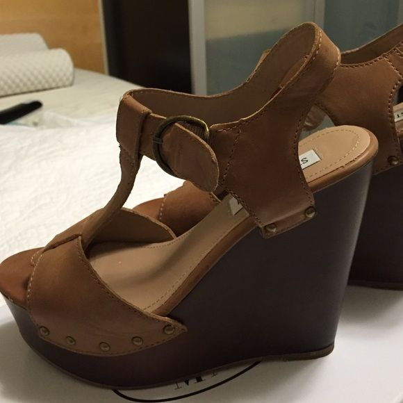6b2b1f15d45 Steve Madden Wyliee 8.5 This is a used beautiful wedge sandal by ...