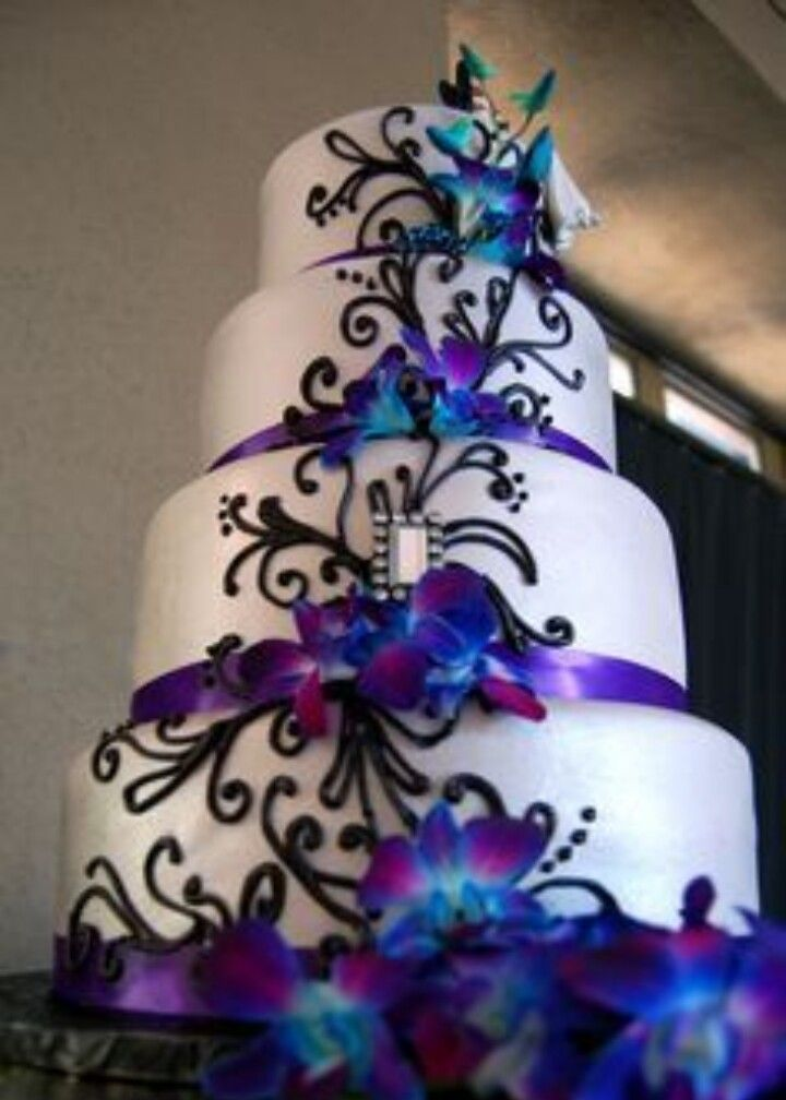Galaxy Themed Cake Purple Wedding Cakes Creative